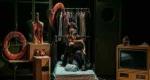 Το Εθνικό Θέατρο παρουσιάζει τη μαύρη κωμωδία «Παίζοντας το θύμα»