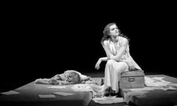 Το «Για την Ελένη» με πρωταγωνίστρια την Μαρία Κίτσου προβάλλεται διαδικτυακά