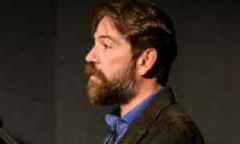 «Το γαϊτανάκι»:Ποιος θα αντικαταστήσει τον Αλέξανδρο Λογοθέτη στο Δημοτικό Θέατρο Πειραιά;
